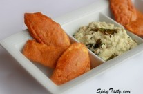 Vazhakkai Bajji (Plantain Fritters) and Coconut Chutney