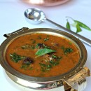 Chettinad Kola Urundai Kuzhambhu – Spicy Meatball Curry