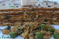 Gobi Paratha / Cauliflower Stuffed Flatbread