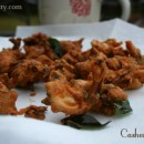 Crispy Cashew Pakoda / Mundhiri Pakoda (Step by Step Instructions)