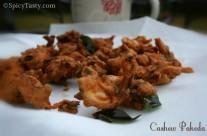 Crispy Cashew Pakoda / Mundhiri Pakoda (Step by Step Instructions)